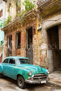Bild på Classic old car on streets of Havana, Cuba