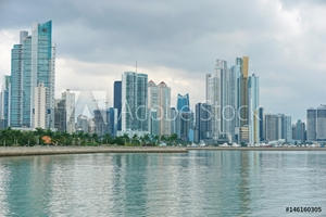 Bild på Coastline of Panama City with buildings on the oceanfront, Pacific coast of Panama, Central America