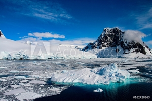 Bild på Beautiful landscape in Antarctica