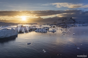 Bild på Antarctic sunrise
