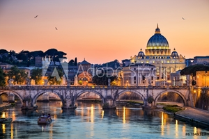 Bild på Night view of the Basilica St Peter in Rome, Italy