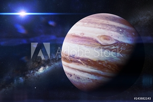 Bild på planet Jupiter in front of the Milky Way galaxy and the Sun