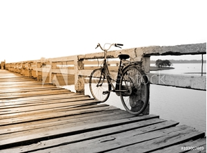 Bild på Bicycle on wooden bridge